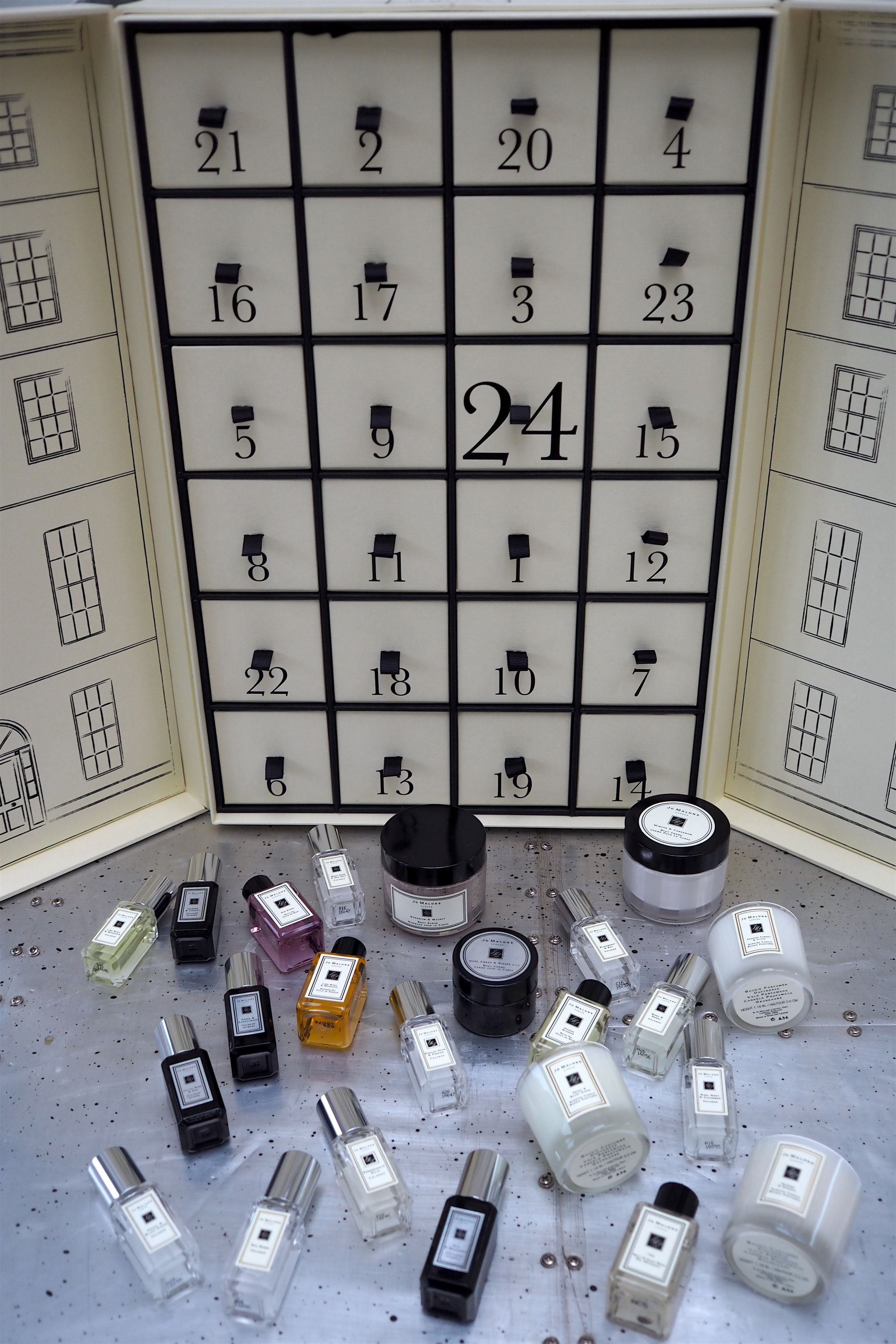 jo_malone_advent_calendar_1